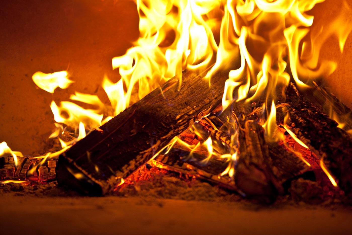 Tűz a tűztérben kandalloshop